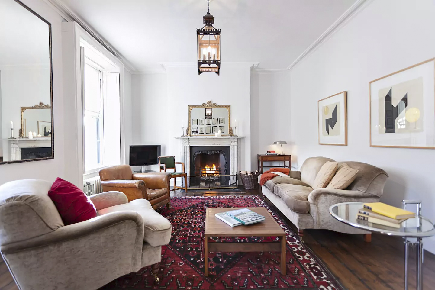 Best Airbnbs Dublin- Georgian townhouse