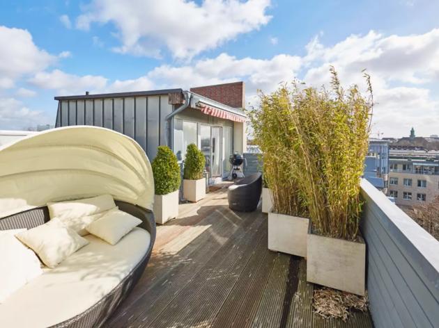 Hamburg apartment with views