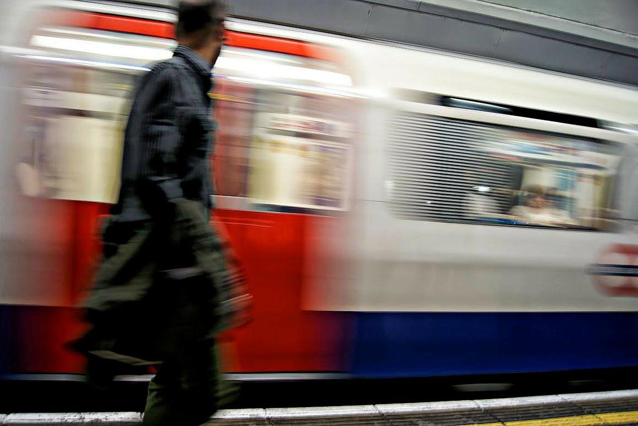 london night tube image