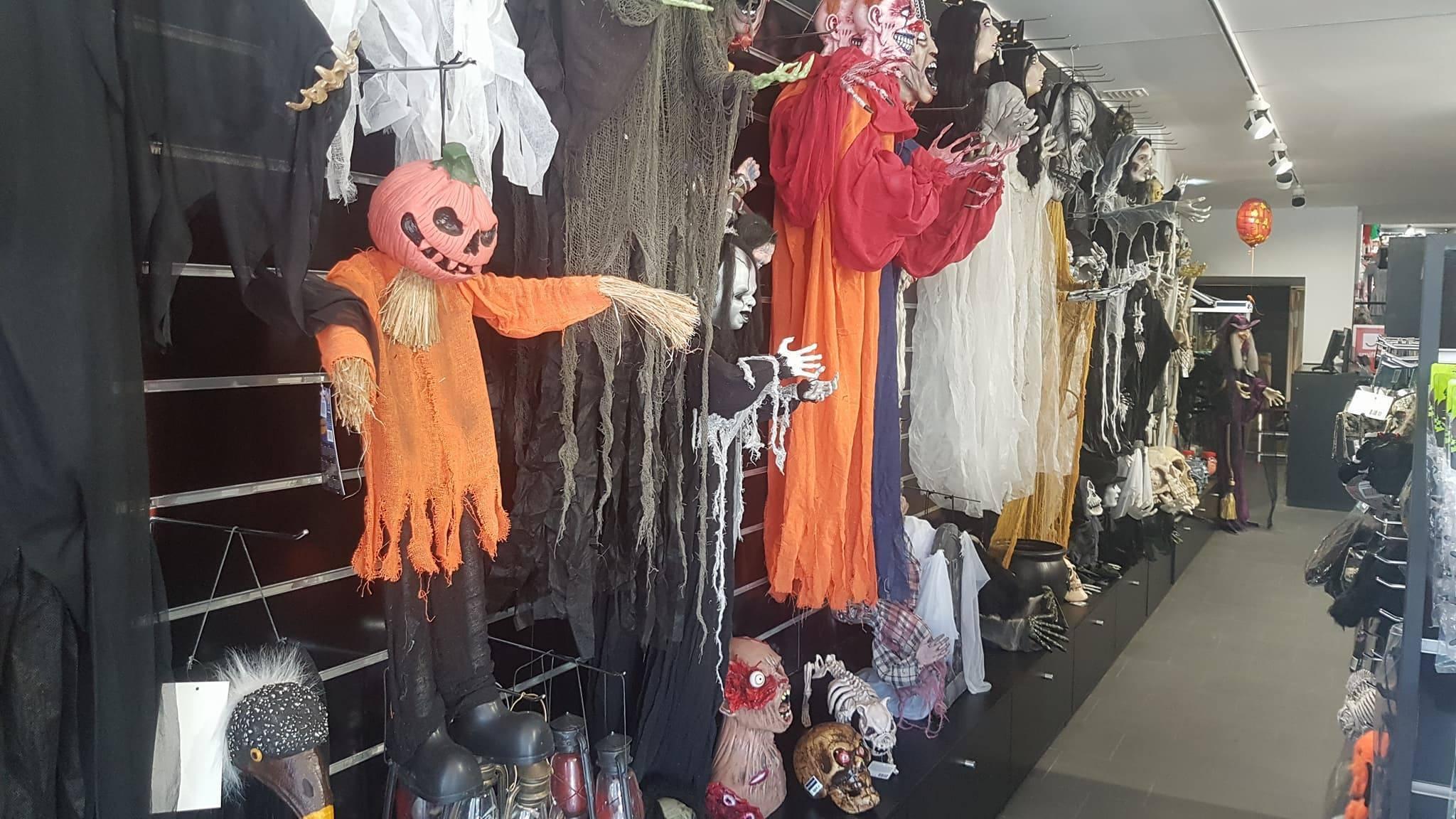 Na Mascarilha há muitos disfarces para o Dia das Bruxas