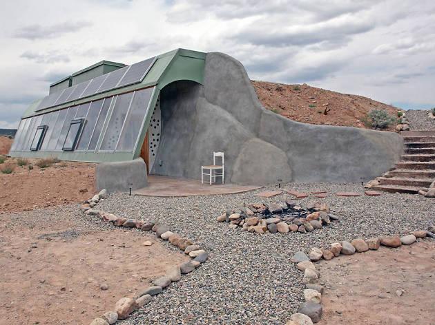 """""""Studio Earthship"""" in Taos"""