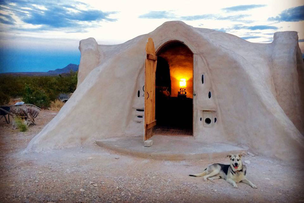 """The quirkiest Airbnb rentals in America will make you go """"huh?"""""""