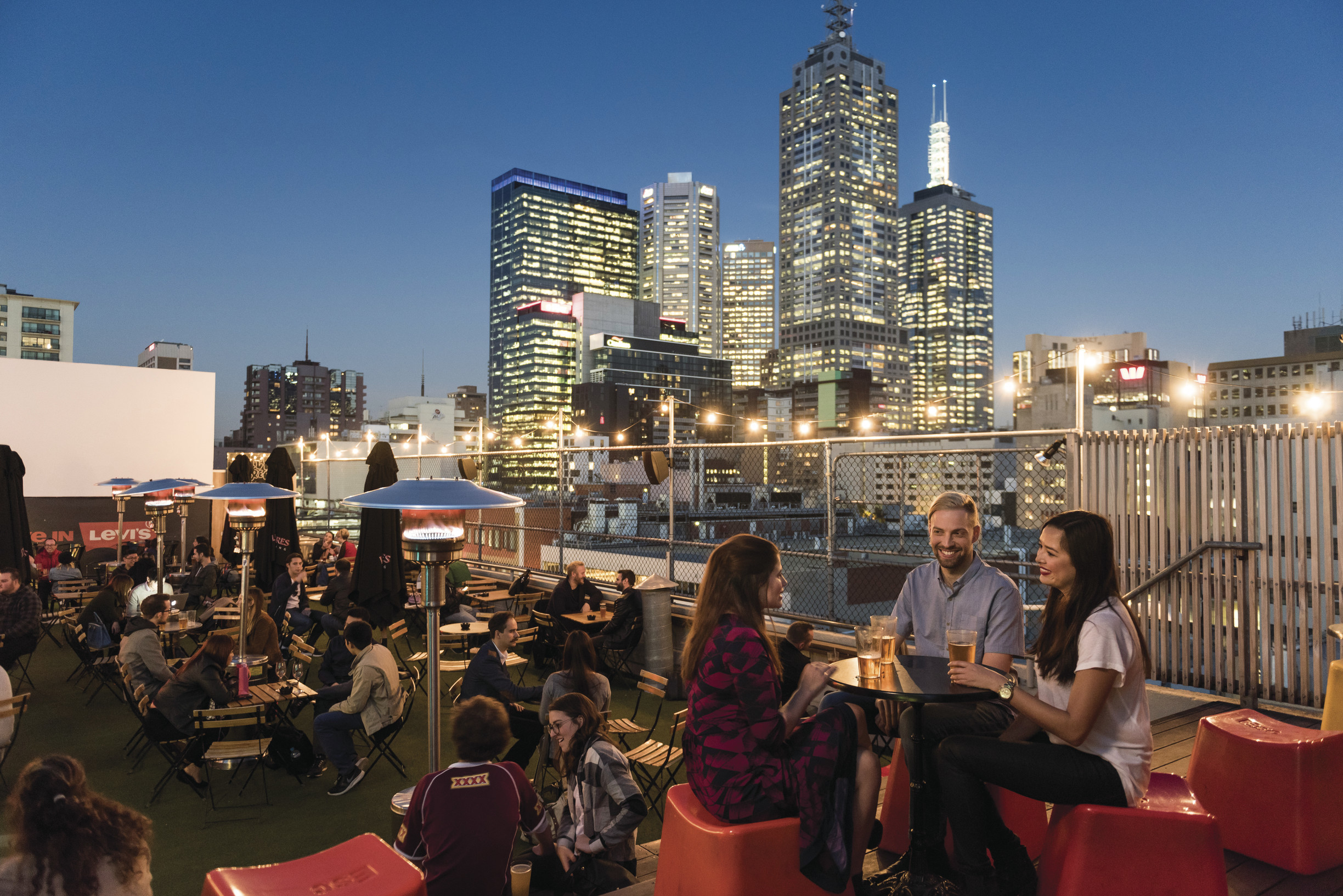 Rooftop bar, Curtin House