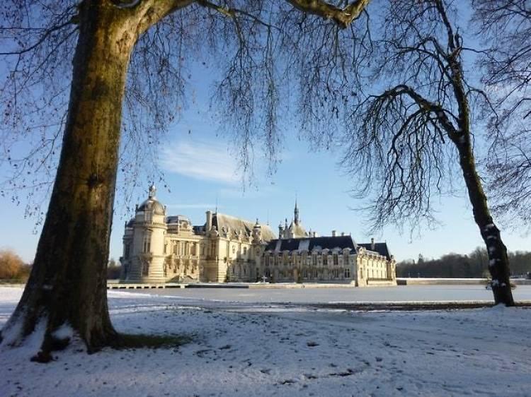 Château de Chantilly Tour and a Renaissance-Style Meal
