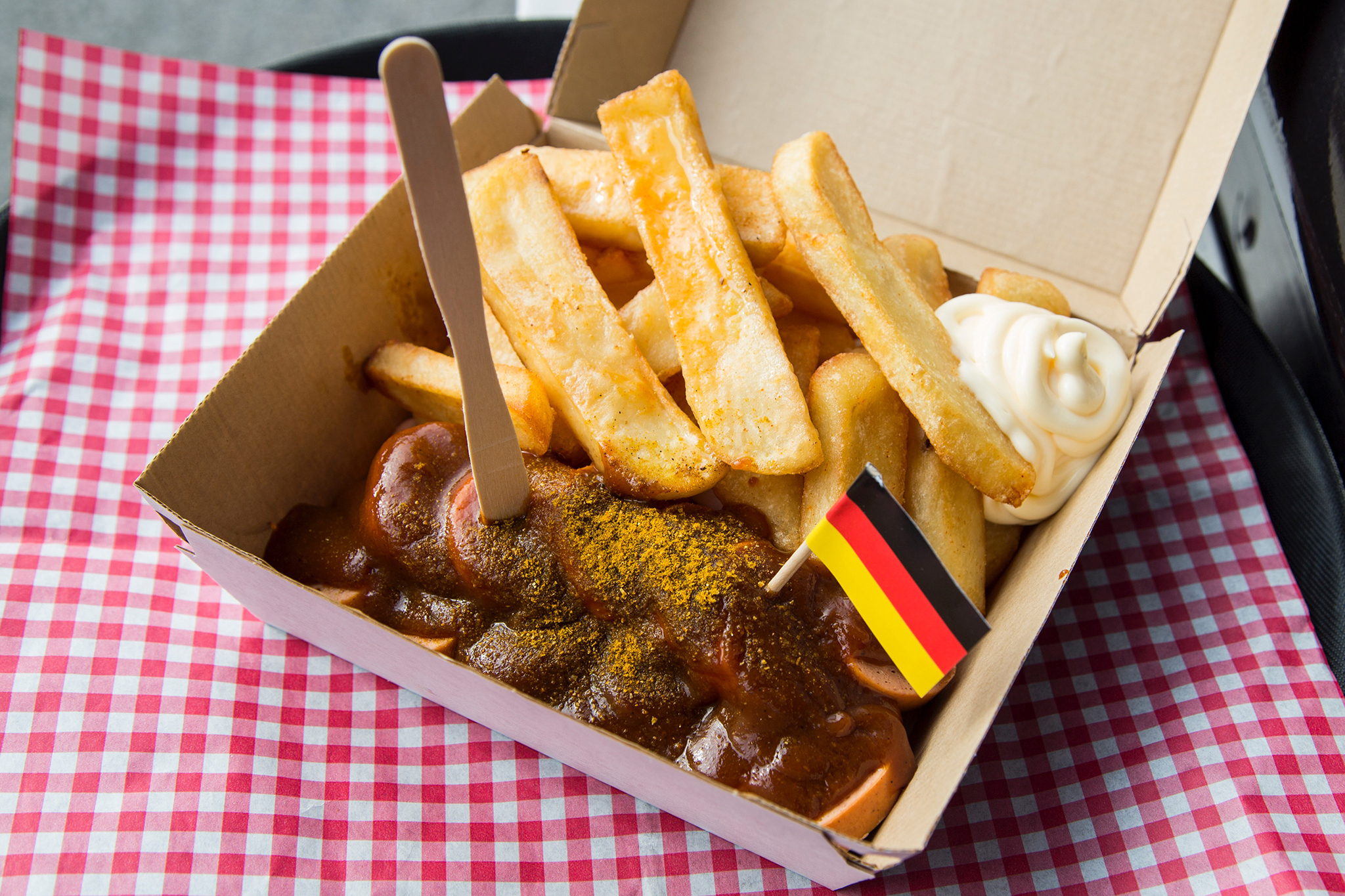 Currywurst Pommes at Kelvin's Truck