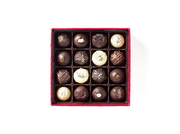 Roni-Sue's Chocolates 16-Piece Cocktail Collection Truffle Box