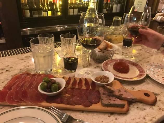 Vinum Wine Bar & Restaurant