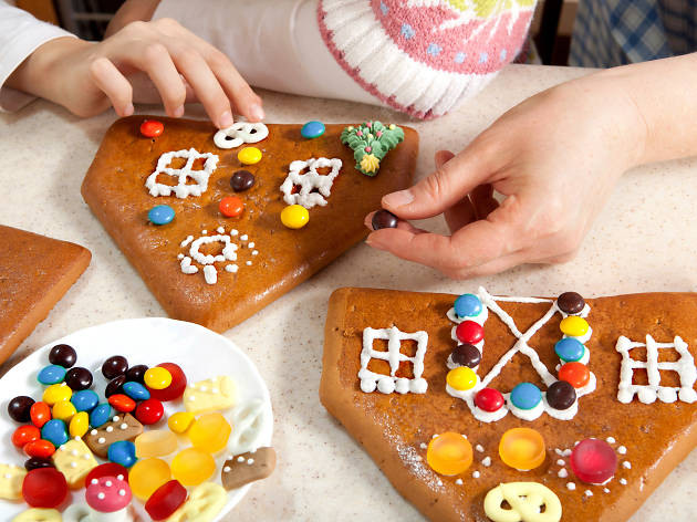 Build a Gingerbread House at Ritz-Carlton Philadelphia