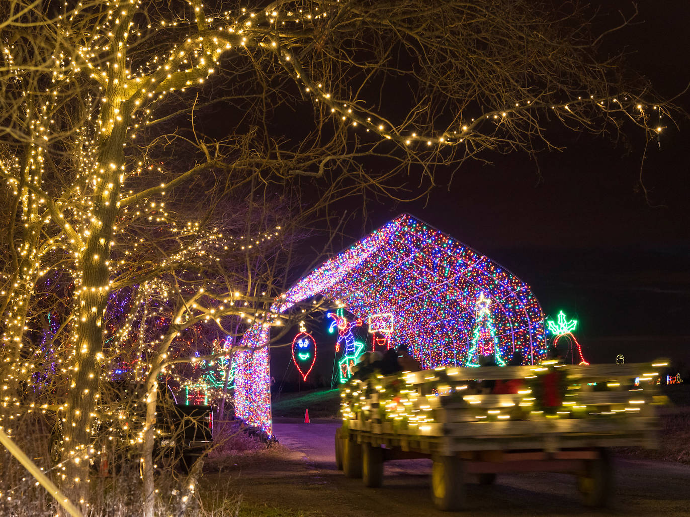 holiday light show shady brook farm