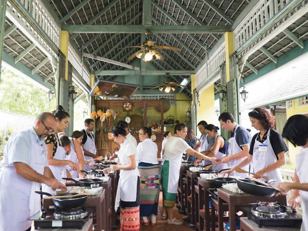 A cooking lesson with a talented Thai chef