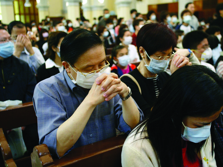 Citizens turn to prayer at the height of the crisis