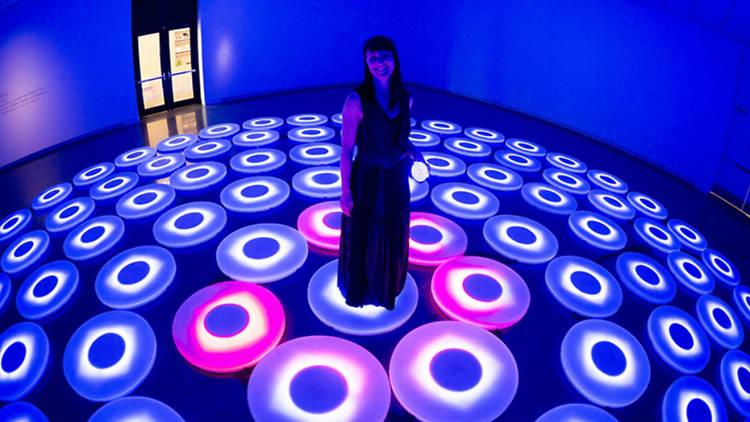 The Pool por Jen Lewin en el Visual Art Week