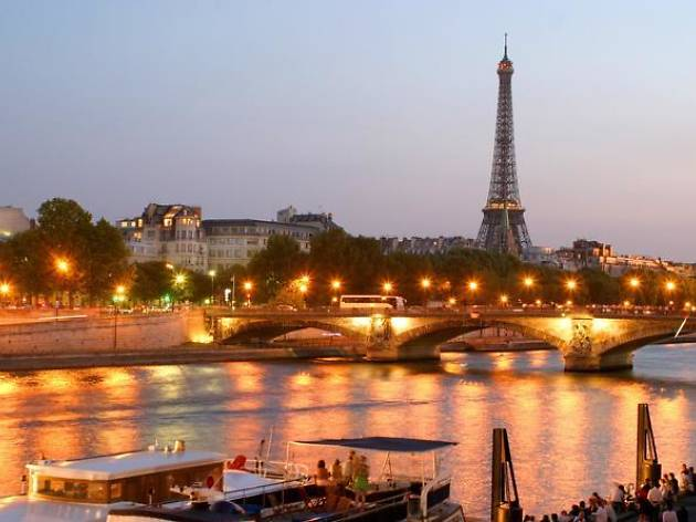 Dinner cruises- Eiffel Tower dinner and Seine river cruise