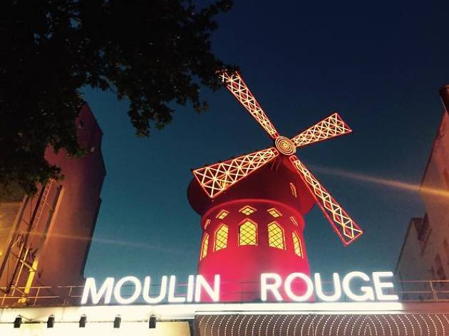 Dinner cruises- Moulin Rouge show and Seine cruise