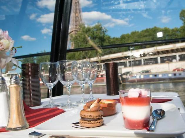 Dinner cruises- Marina de Paris cruise with three-course meal