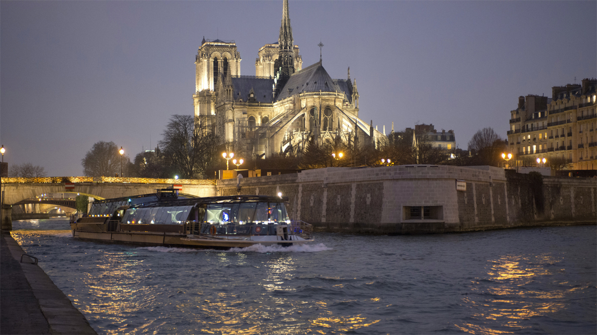 Paris dinner cruises