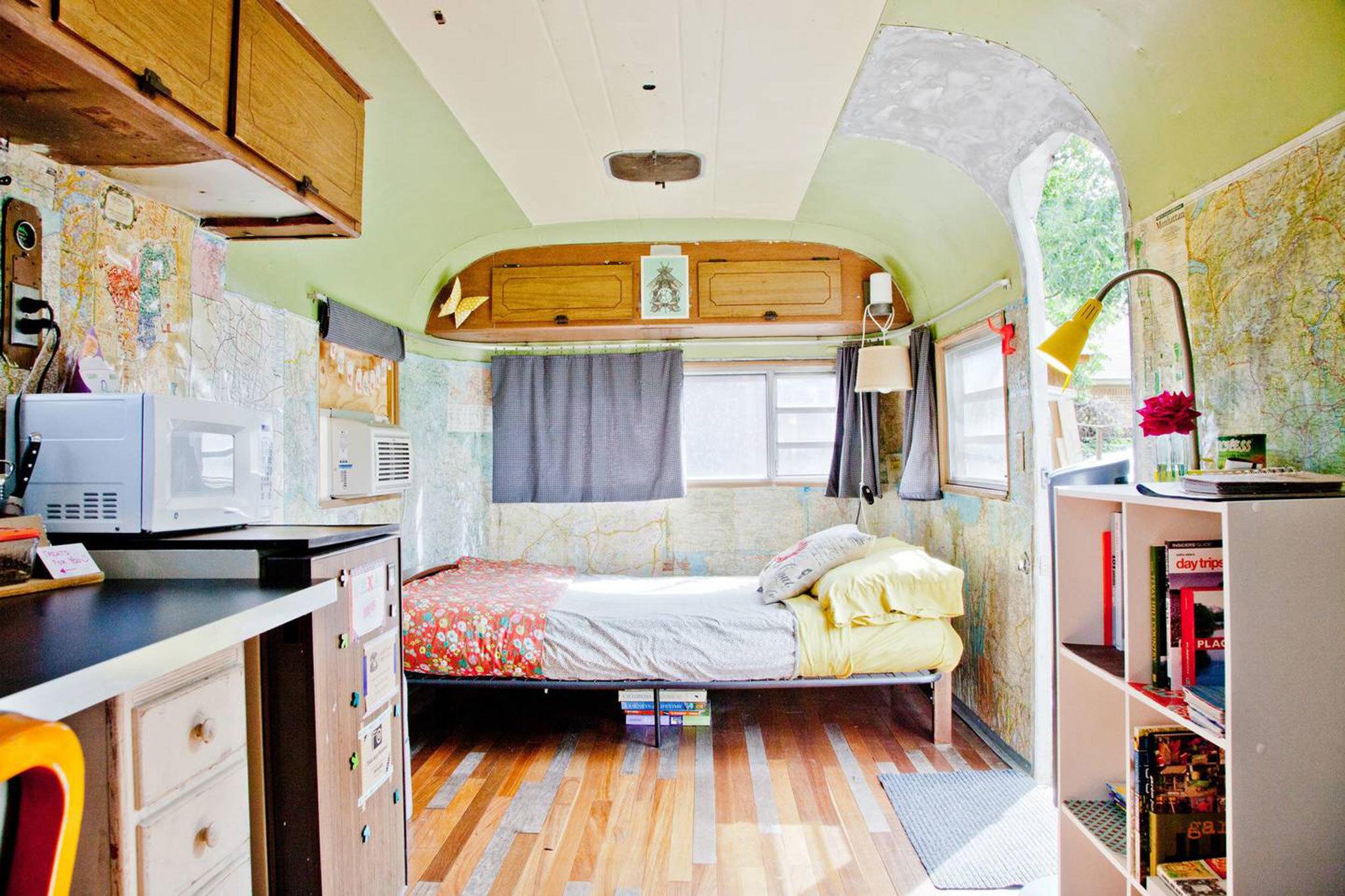 Airbnb vintage airstream