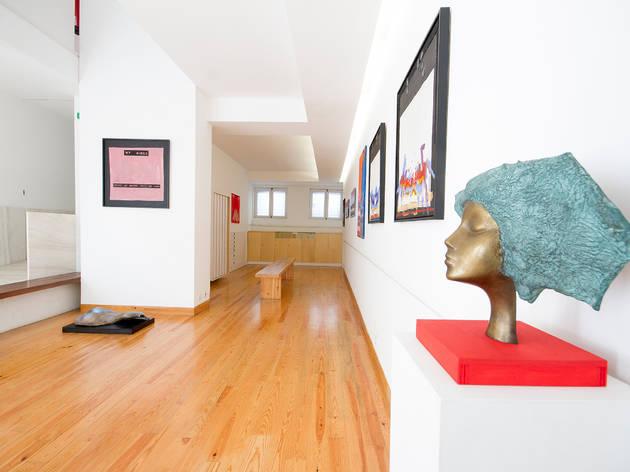 Veja as exposições da Galeria Porto Oriental