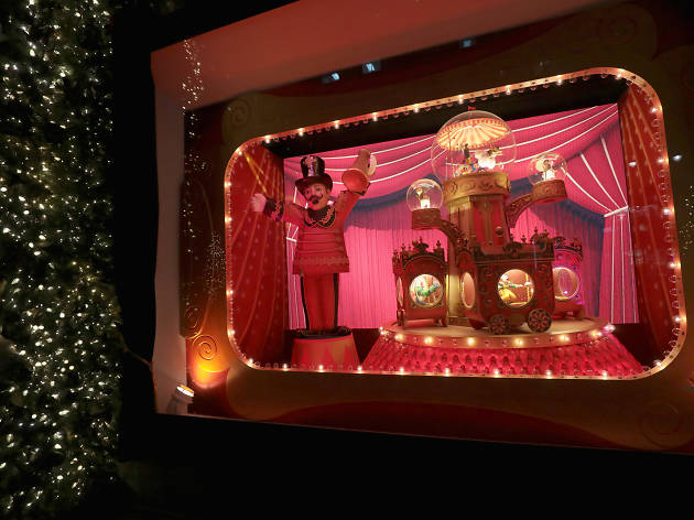 Christmas Window Displays.See Photos Of Lord Taylor S Stunning Holiday Window Displays