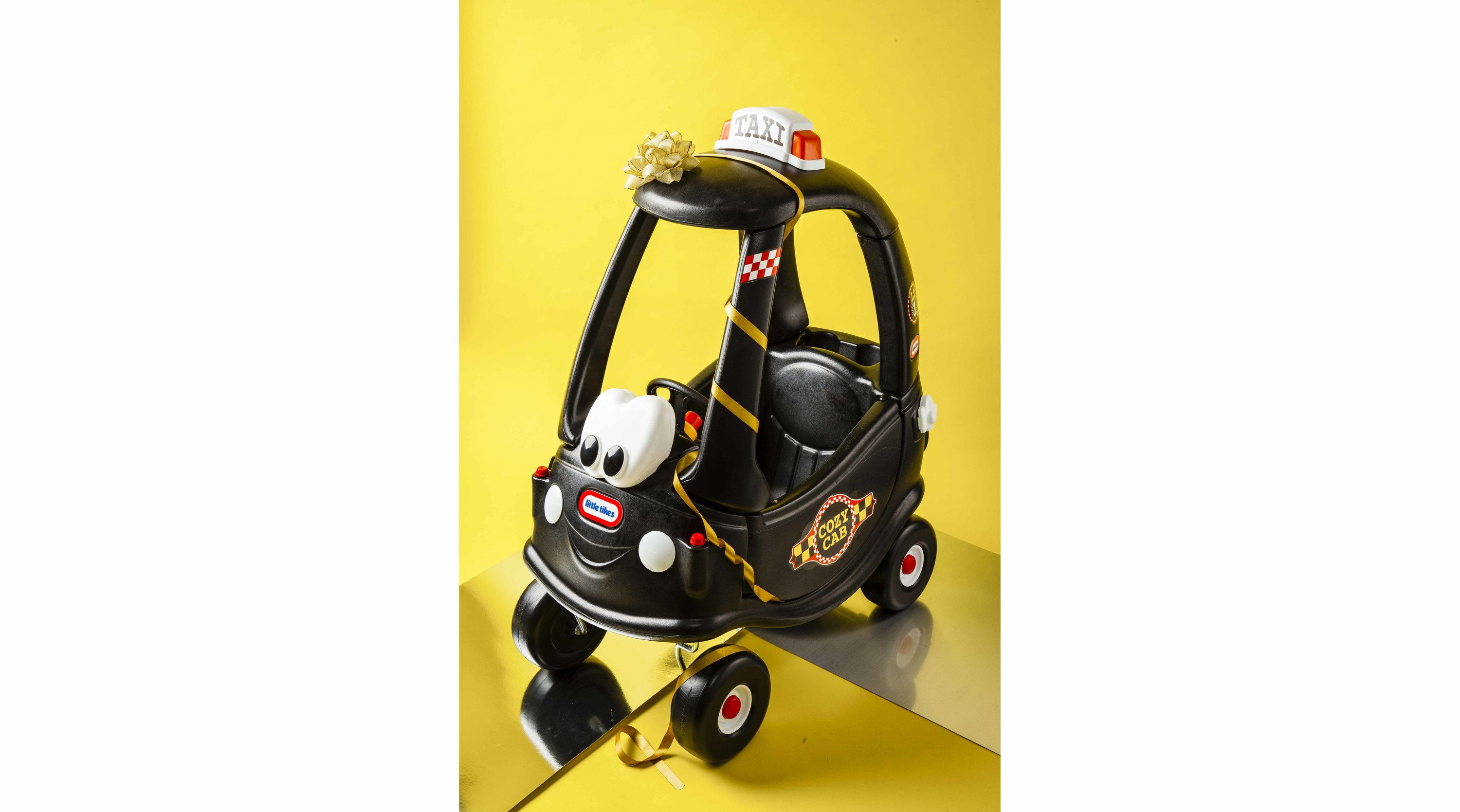 Coze Coupé Black Cab by Little Tikes
