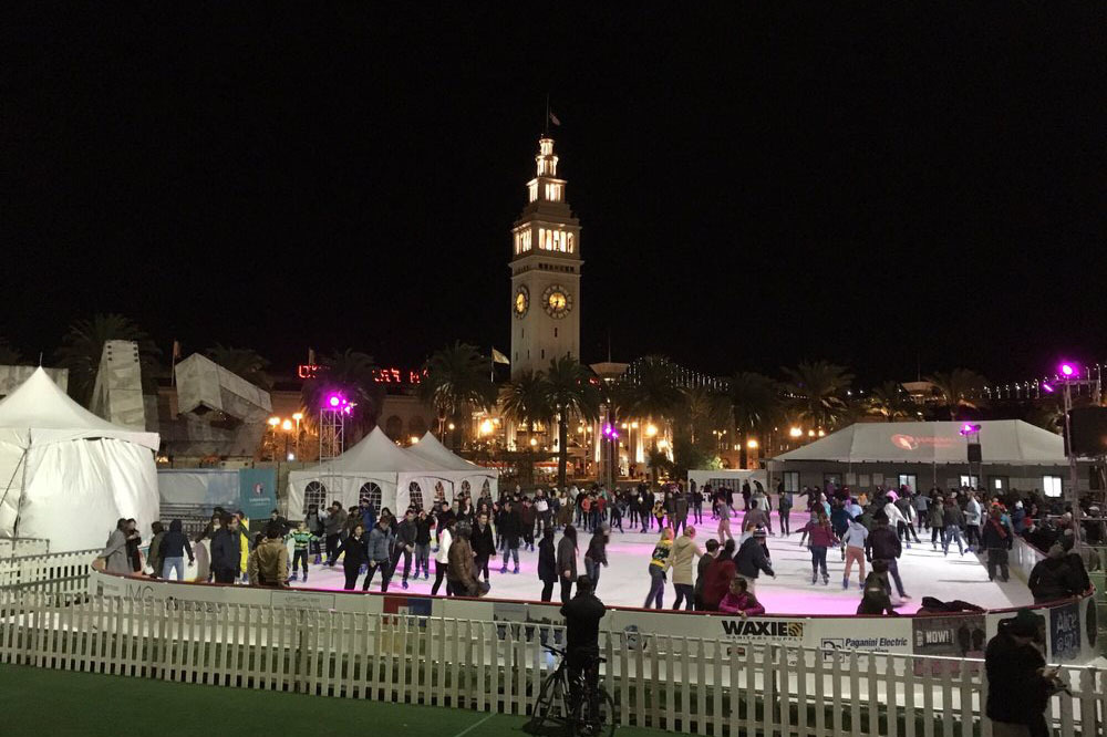 Holiday Ice Rink At Embarcadero Center