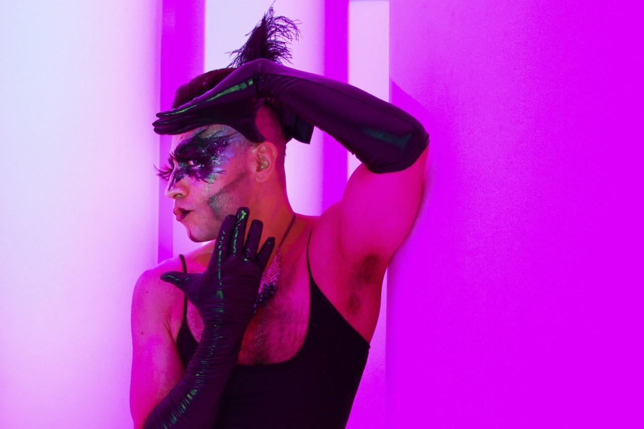 El Teatro Bay El Vicio presenta Lucy-Fer una historia navideña gay