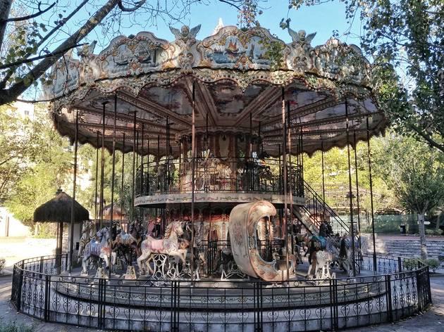 carrossel jardim zoologico