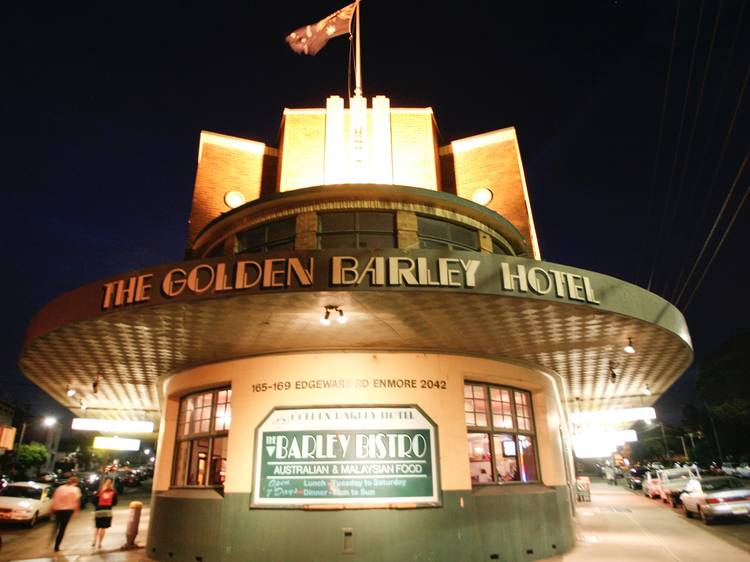 The Golden Barley – Monday, 7pm