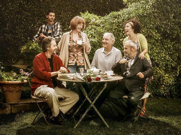 4 razones que te convencerán para ir ver la obra de teatro 'Adossats'