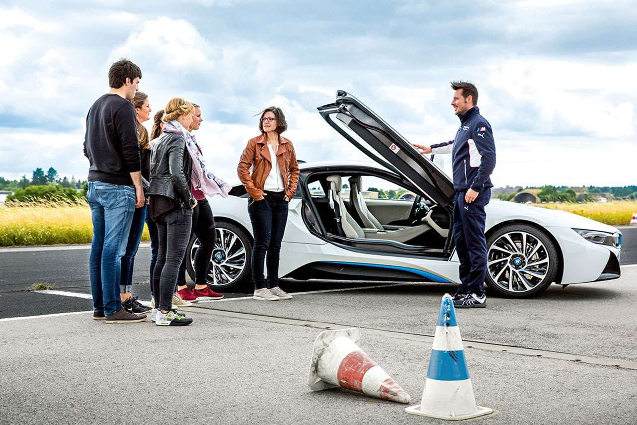 Take a driving lesson at the BMW Driving Academy Maisach