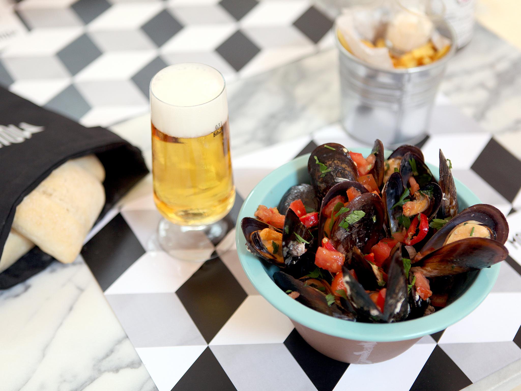 Moules & Beer