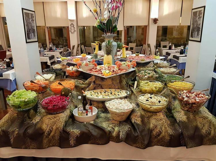 Almoce no Monte Aventino à semana