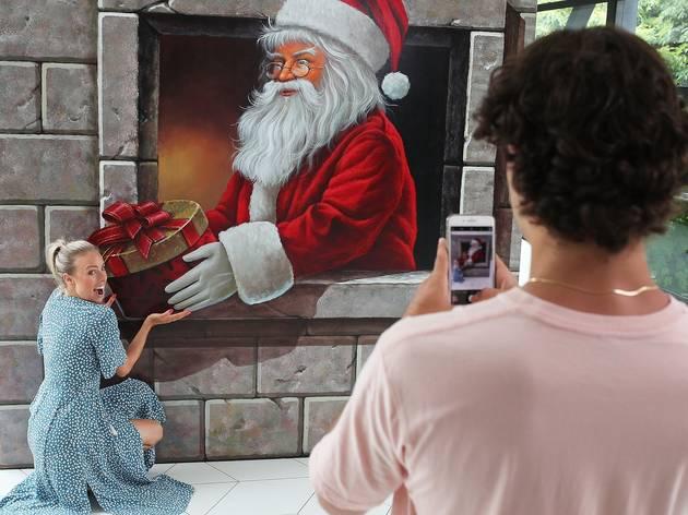 Crown's Christmas ArtVo Exhibition