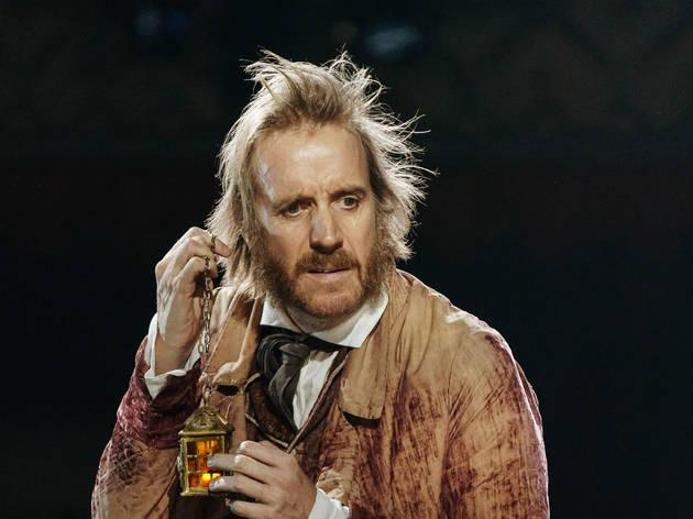 """<meta charset=""""utf-8"""" /><p><span>Rhys Ifans (Ebenezer Scrooge)</span></p>"""
