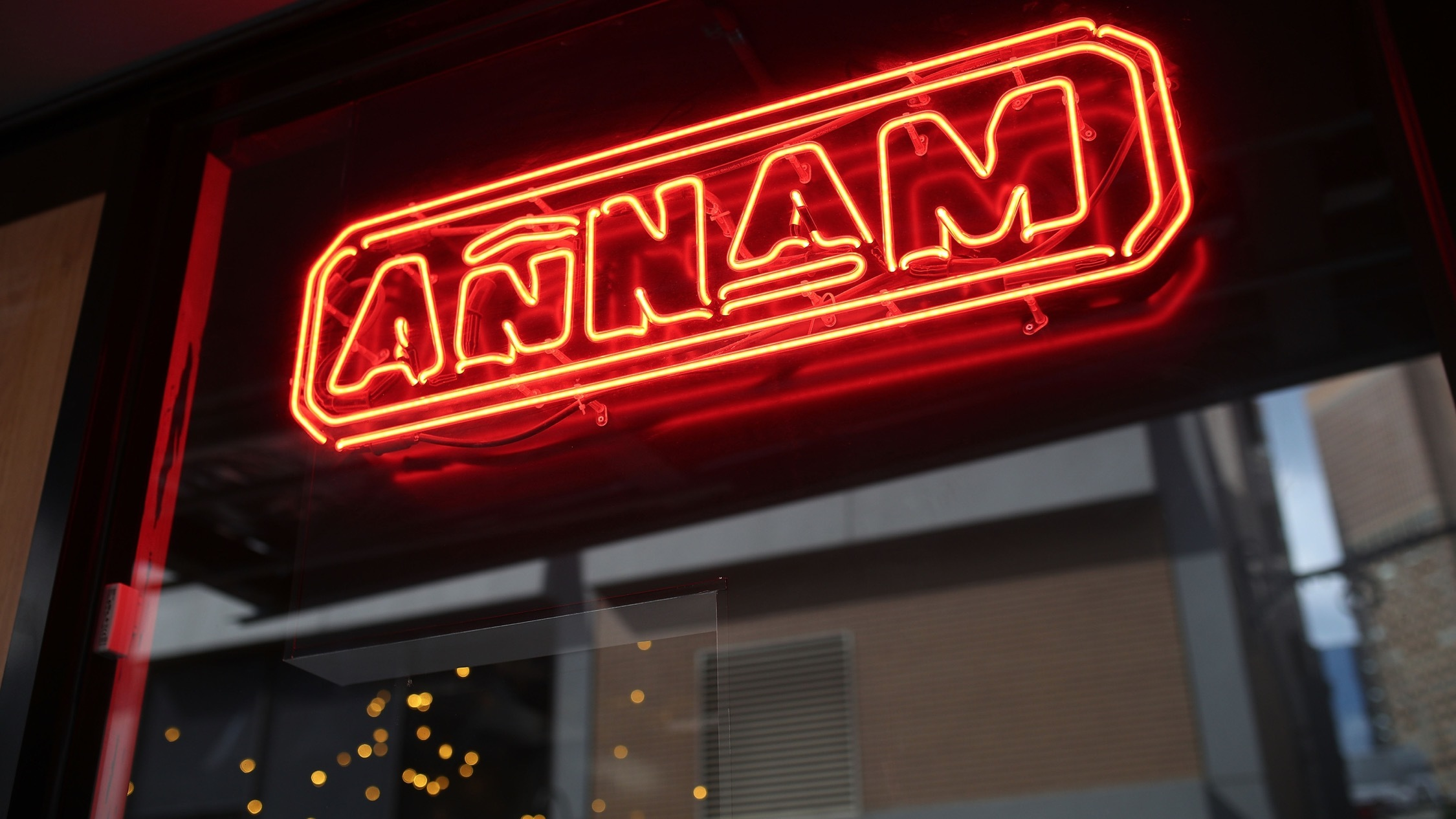 Neon sign at Annam