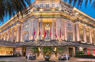 Christmas Glamour at The Fullerton Hotel