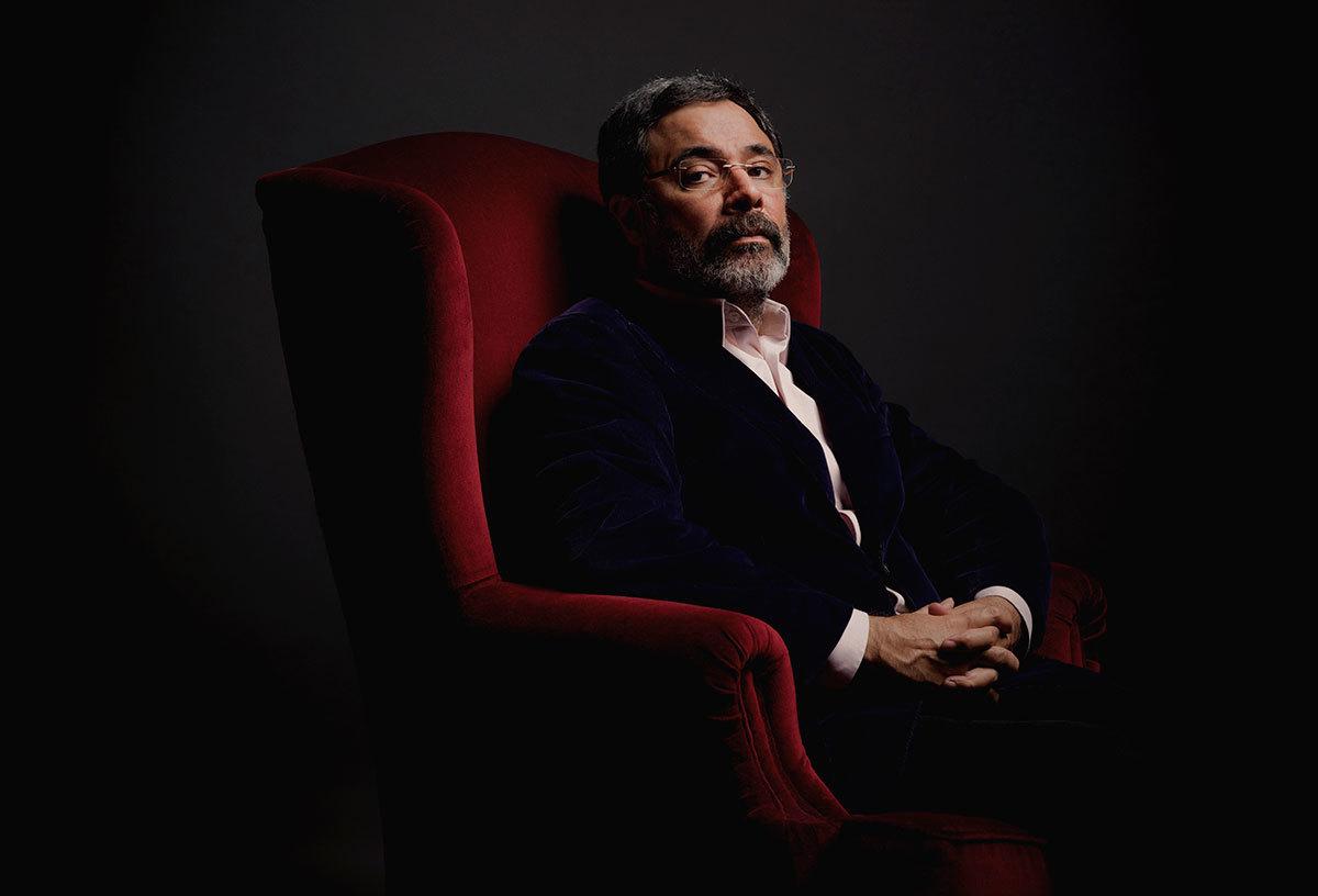 Ahmet Ümit'in romanı 'Ninatta'nın Bileziği' şehrin opera sahnesine taşındı
