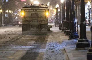 A Chicago snowplow and garbage-truck drivers' union could vote to strike this weekend