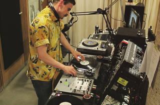 DJ Fett Burger + Fleajeys!