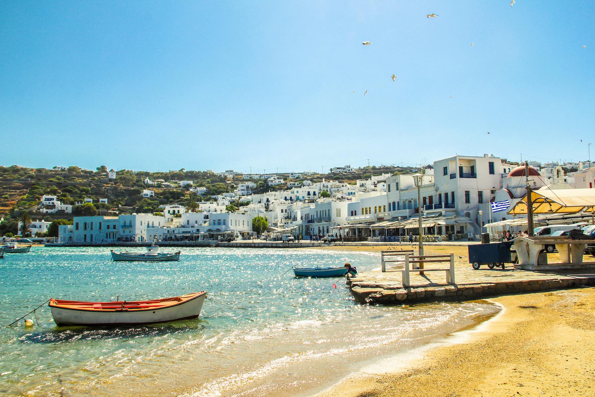 ギリシャが6月15日から観光客を受け入れへ、国際線の再開は7月から
