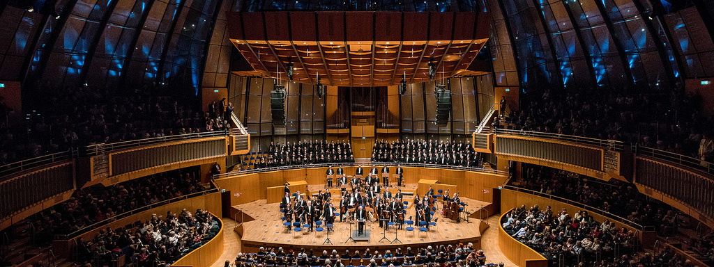Catch a concert at planetarium-turned-concert hall Tonhalle Düsseldorf