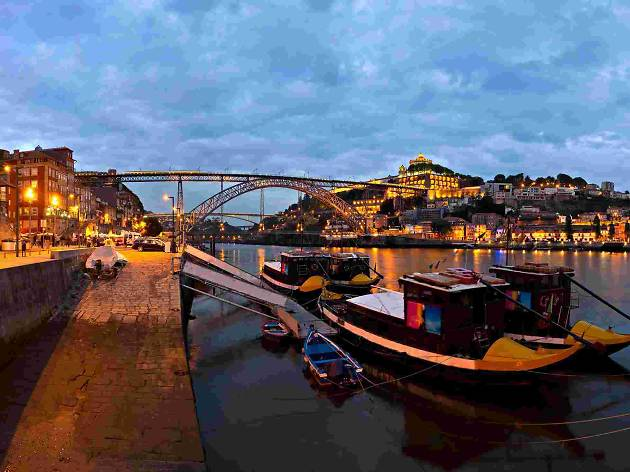 Porto tours- Sightseeing at night