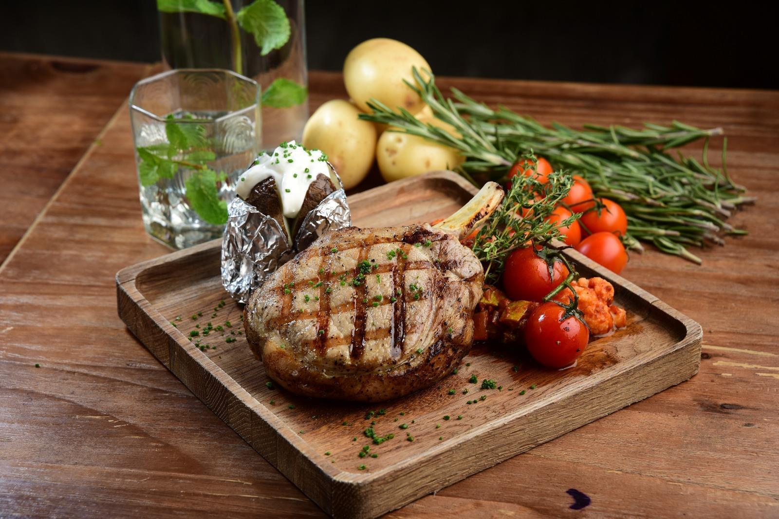 chef's stage kitchen steak