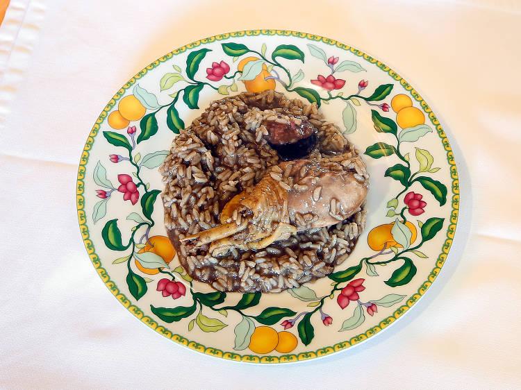 Três sítios para comer arroz de cabidela no Porto