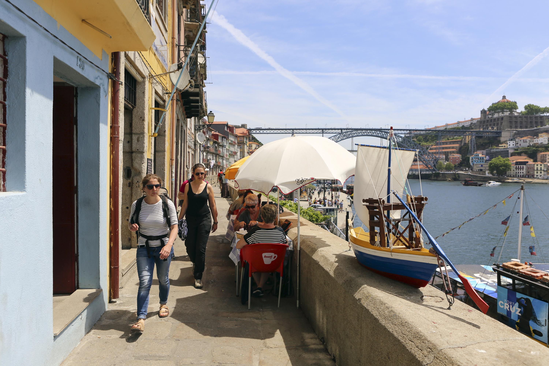10 coisas que os turistas fazem e todos os portuenses deviam experimentar
