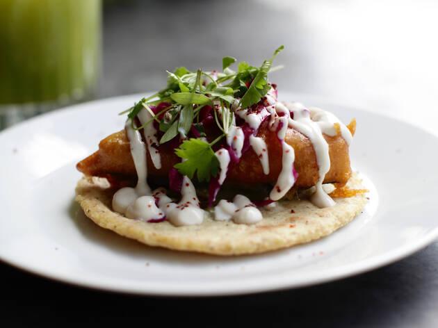 Baja to-fish taco at Club Mexicana