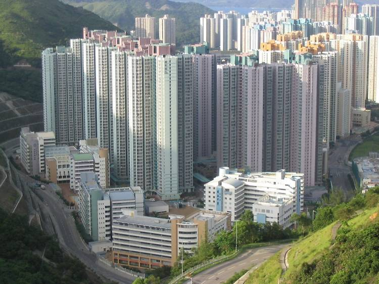 What are the qualifications for public housing?