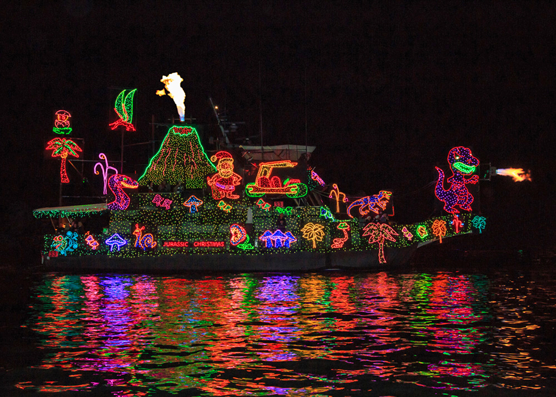 newport beach christmas boat parade things to do in los. Black Bedroom Furniture Sets. Home Design Ideas