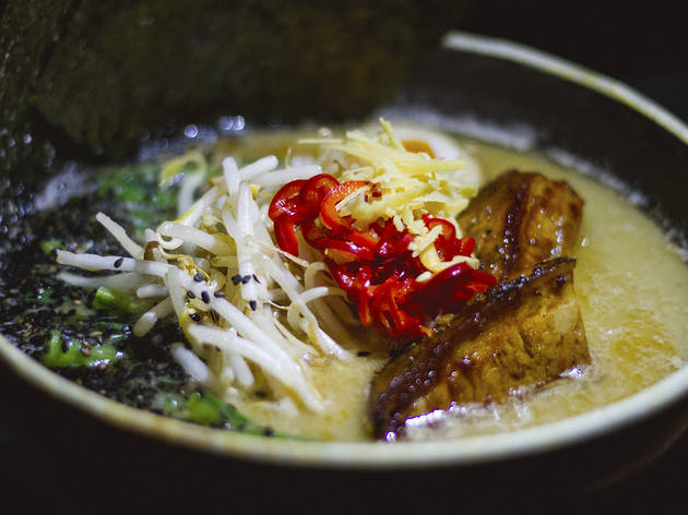 "<meta charset=""utf-8"" /><p><span>Peads and Barnetts pork-bone shio ramen with&nbsp;</span><span class=""recipe"">komatsuna, bean sprouts, black pepper chashu and Fresno chilis</span></p>"