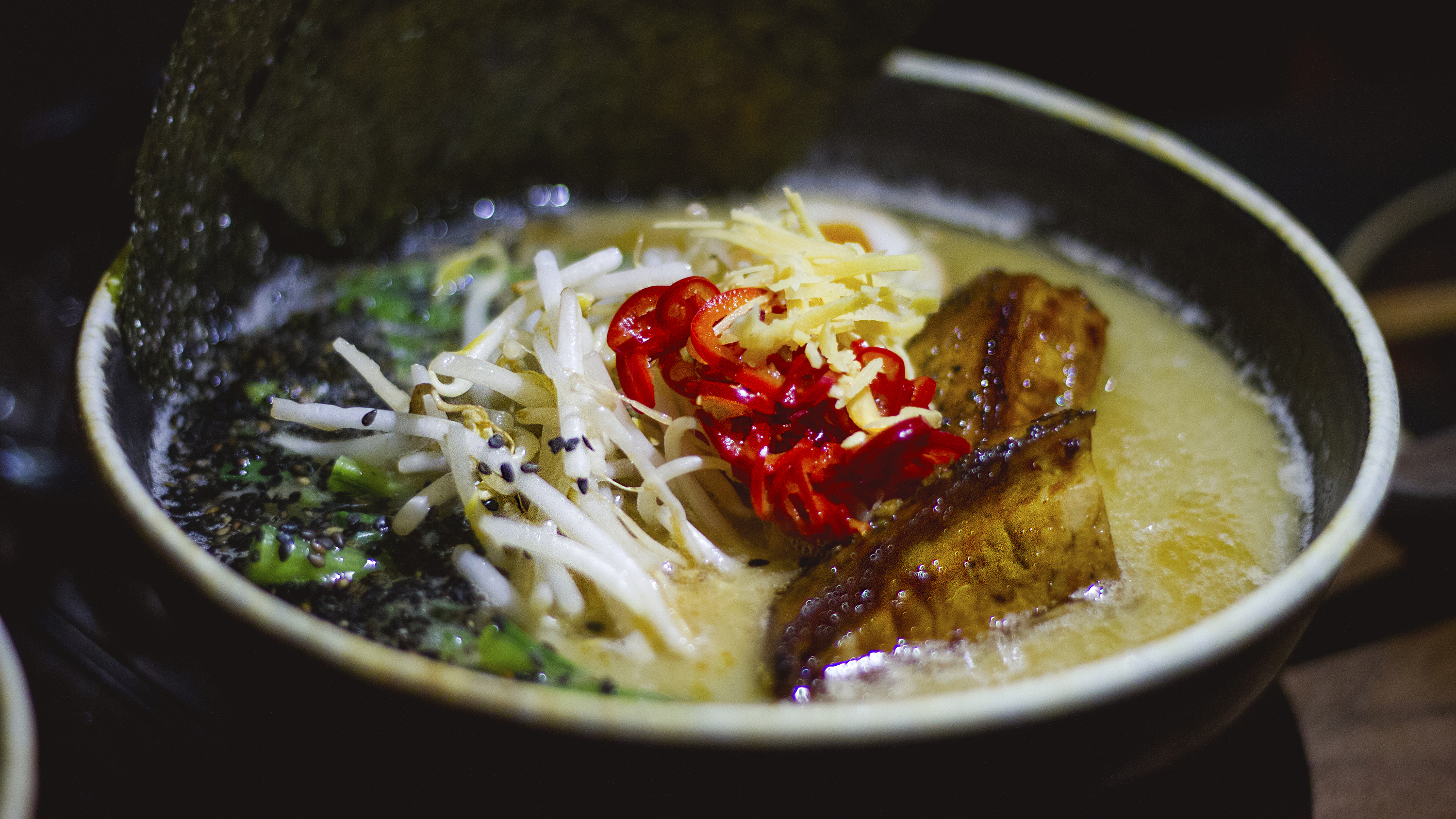 "<meta charset=""utf-8"" /><p><span>Peads and Barnetts pork-bone shio ramen with&nbsp;</span><span class=""recipe"">dashi, komatsuna, bean sprouts, black pepper chashu, pickled Fresno chilis, fermented black bean paste, and tamago</span></p>"